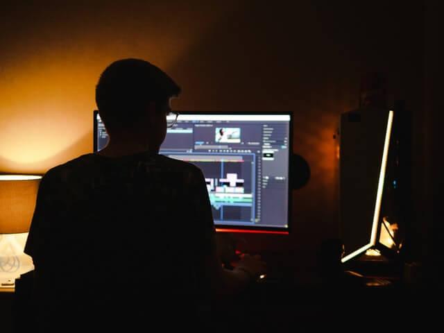 無料動画編集ソフトと有料動画編集ソフトの違い