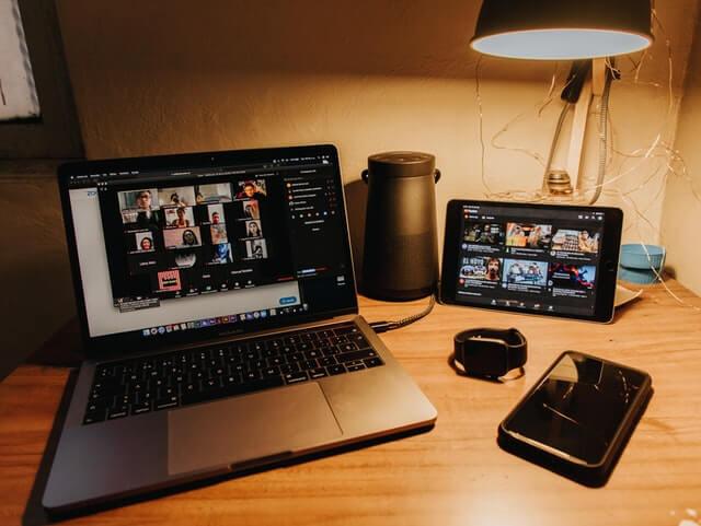 動画広告を制作する3つの方法
