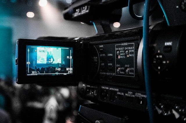採用動画制作を依頼する際に注意するべきこと